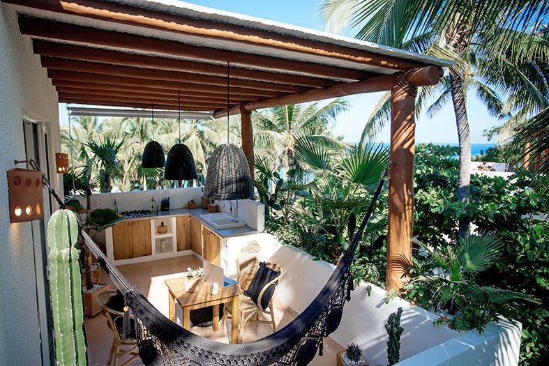 sadyulita,mexique,location,airbnb,vacances,voyage,chill,décoration,inspiration,noir,blanc,vert,rotin,osier,cactus,tropiques