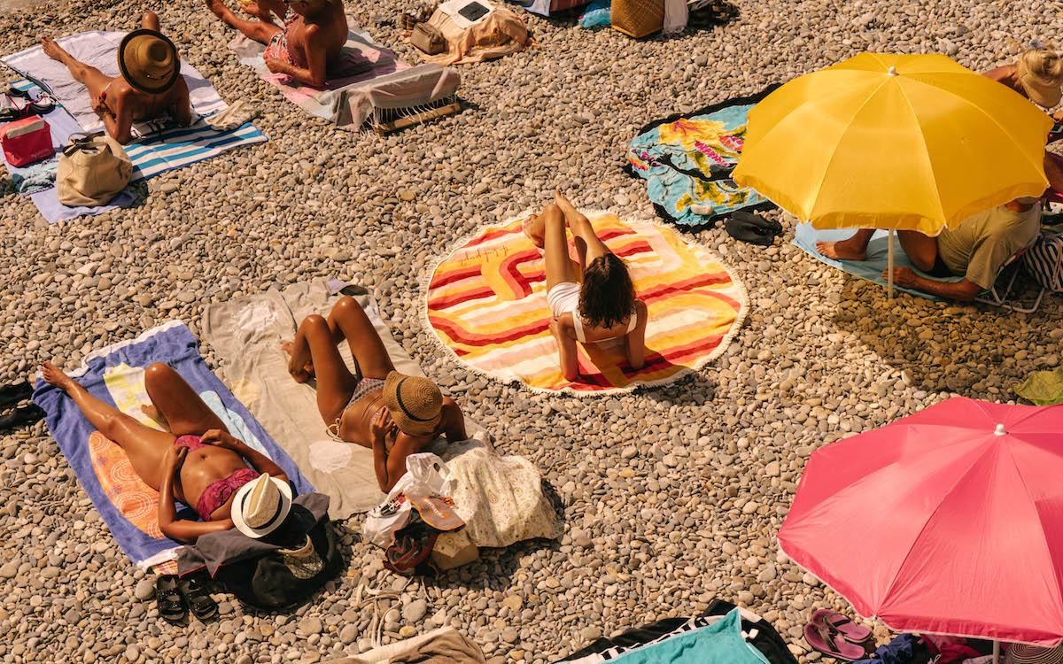 the beach people,plage,beach,beach towels,cassis,ali woolley,jessica ruscoe,lookbook,ss19,draps de plage