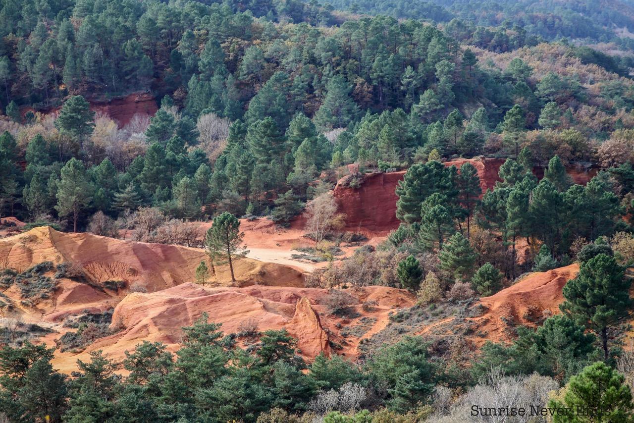 colorado provençal,roussillon,provence,lubéron, rustrel,voyage,travel,hike,marche,nature,canyon,randonnée,danner,danner boots,merrell