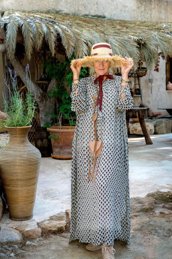 yvonne aporre,ibiza,mode,fashion,déco,decorztion,hippy chic,bohemian,vintage,mcramé,crochet,dali,mannequin,yvonne s