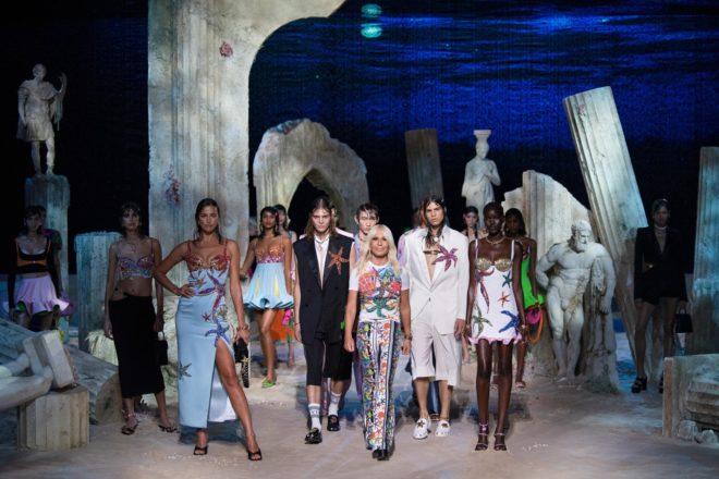 versace, gianni versace,donatella versace,ss92,SS21,milan,fashion show,milan fashion week,versacepolis