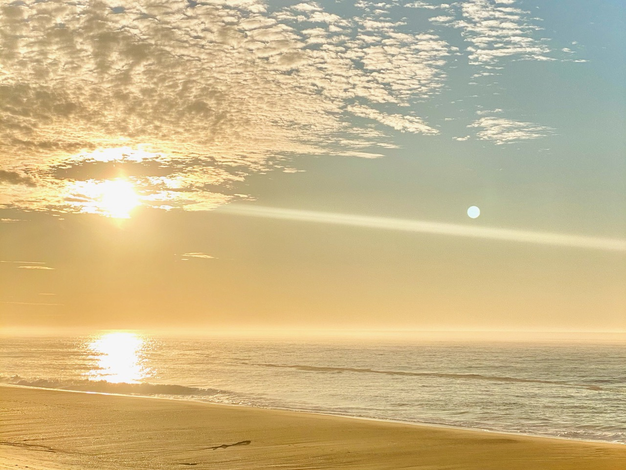 friday mood,wellness,a beachy life, sunrise never ends