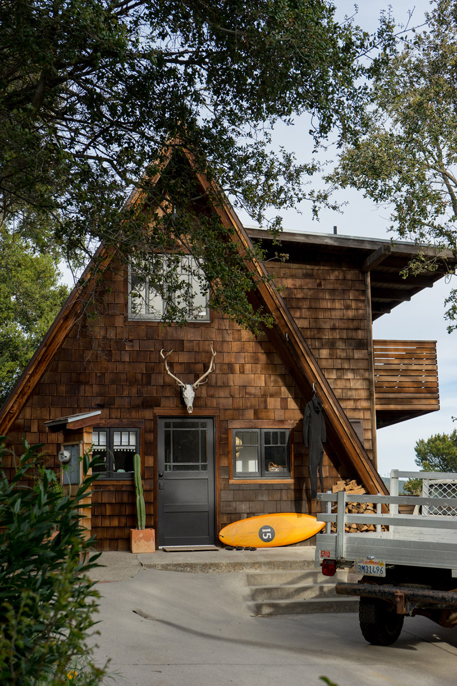 https://indoek.com/article/surf-shacks-075-jeff-johnson-kara-thoms/